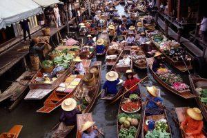 زيارة السوق العائم وبعض الاماكن الاخرى – باندونق