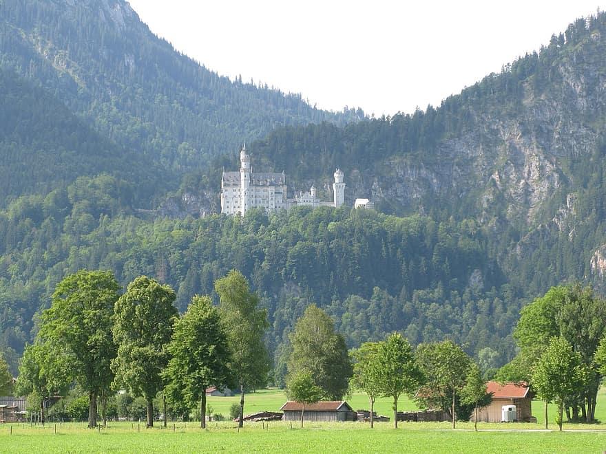 قريتي فوسن و شوانجاو الريف الالماني