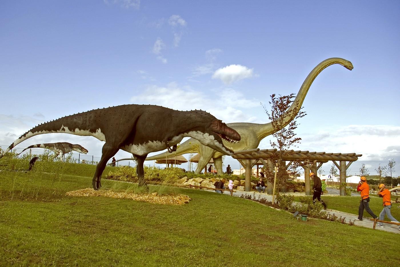 اشهر 7 معالم في حديقة الديناصورات بولندا