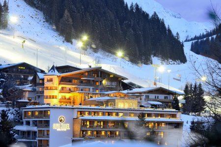 اقامتي في فندق ألبين جوويل النمسا