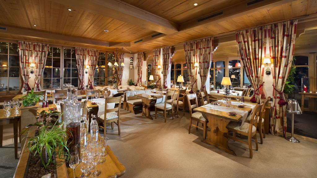 صورة للمطعم في شاليه لو غراند سويسرا