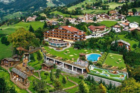 اقامتي في فندق دير فيردينسير ايطاليا