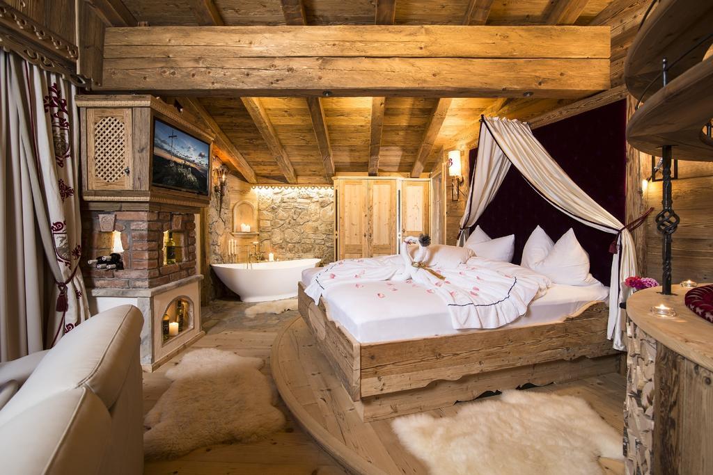 صورة لاحد الغرف في شاليه بيسكهوفيرالم النمسا