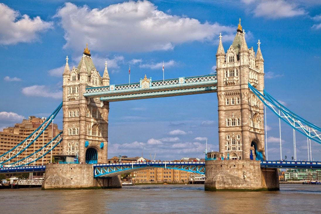 صورة لاحد الجسور الجميلة في لندن