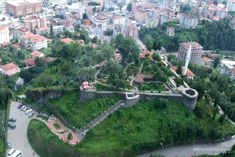 منتزه وقلعة ريدا