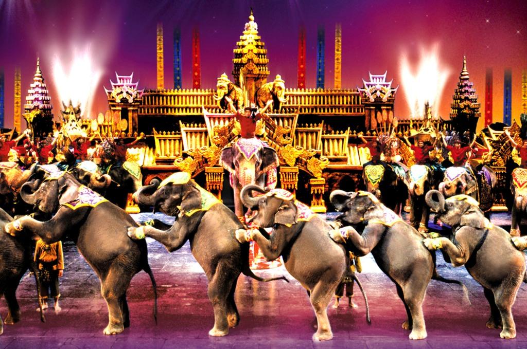 phuket-fantasea-show-elephants1.jpg