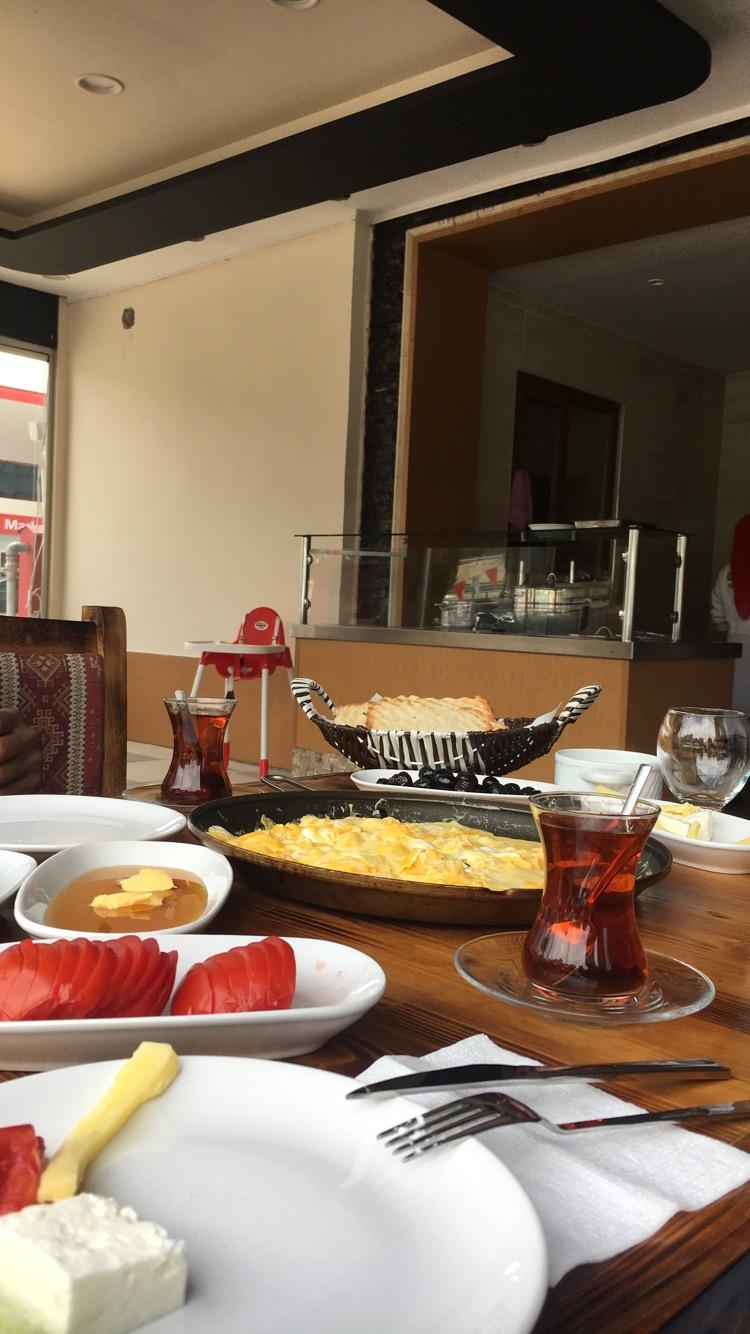إفطار بالشاي التركي