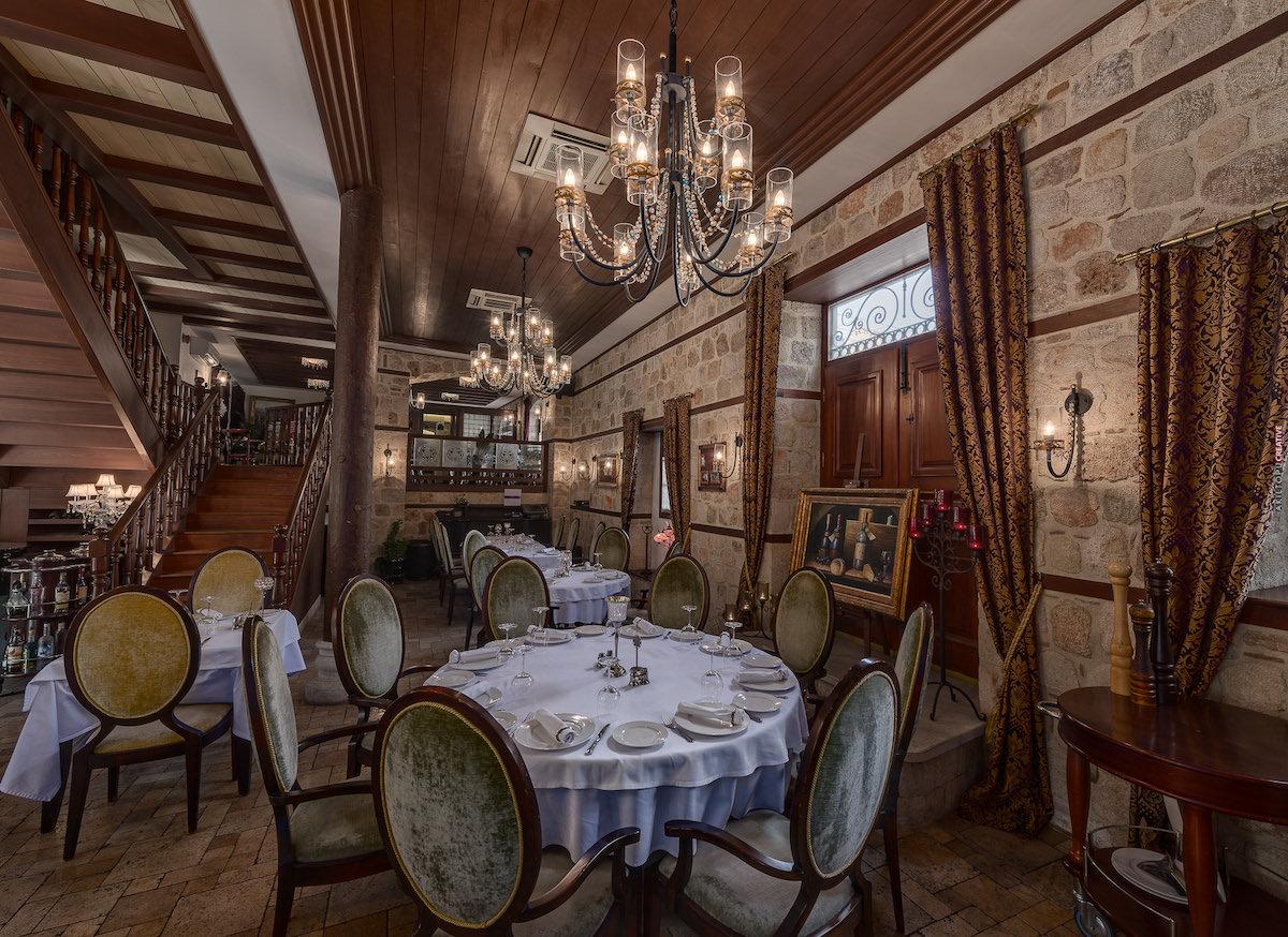 مطعم سراسر فاين ديننج أحد أفضل مطاعم أنطاليا