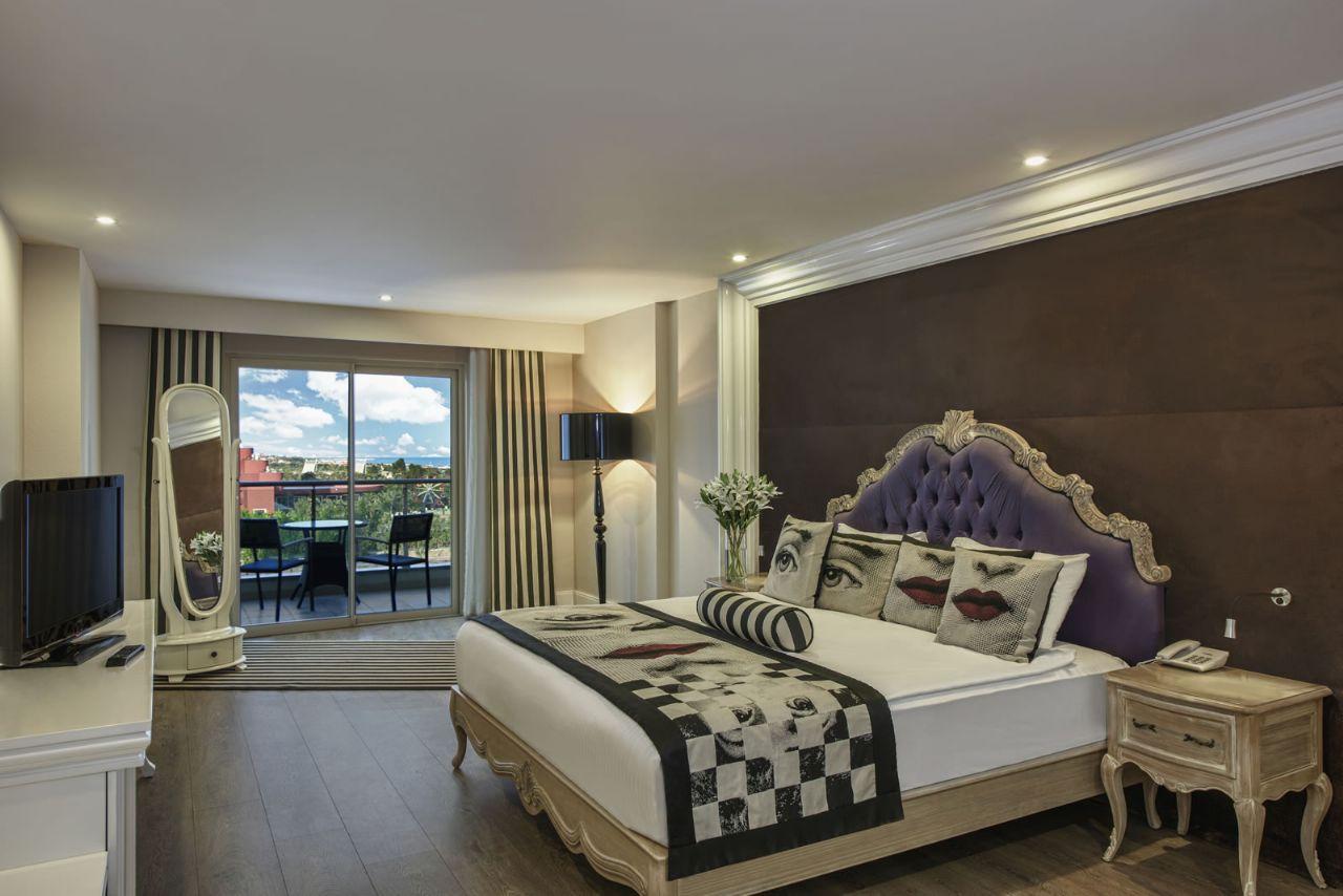 فندق دلفين امبريال الغرف العلوية