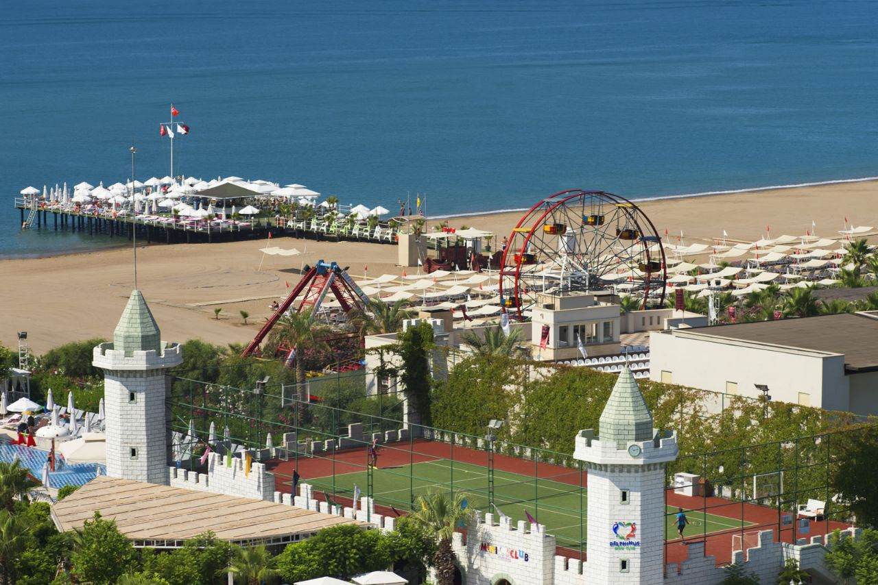 فندق دلفين امبريال إطلالة على الشاطئ