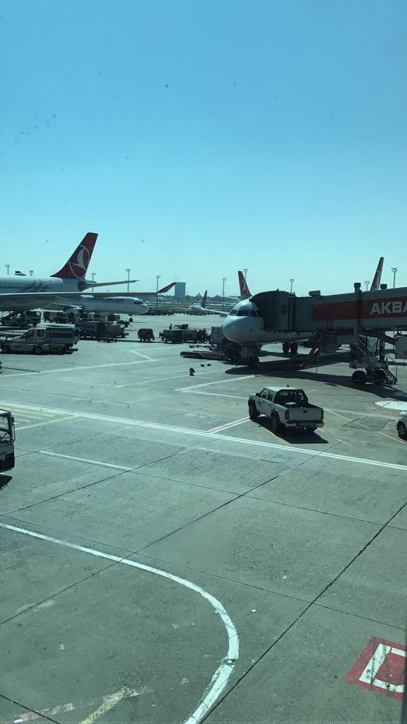 الوصول إلى المطار